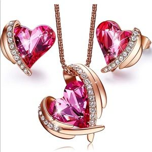 Women's CDE necklace and earring jewelry set. NEW